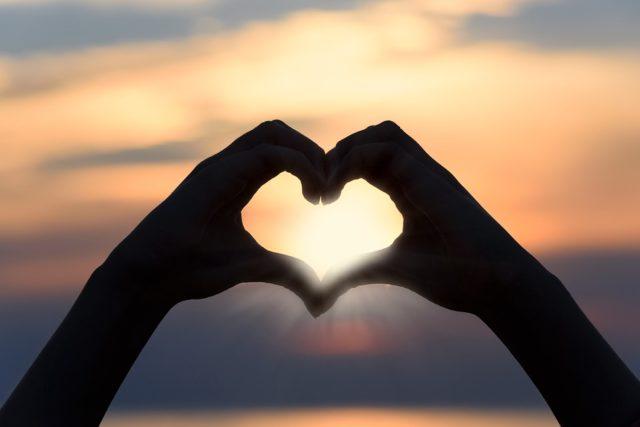 Ossitocina e Vasopressina: i due ormoni dell'amore   MedicinaItalia.tv