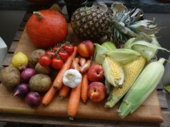 Benessere individuale cresce all'aumentare delle porzioni di frutta e verdura consumate ogni giorno.